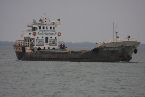 Ships at Panchmukhani headed Khulna Bdesh flyash